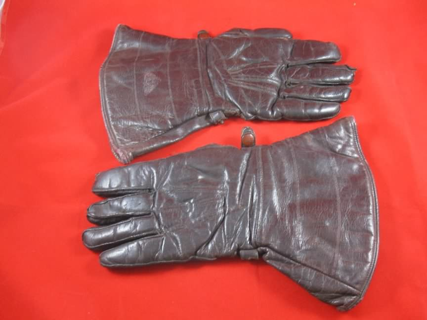 motorcycle leather gauntlets